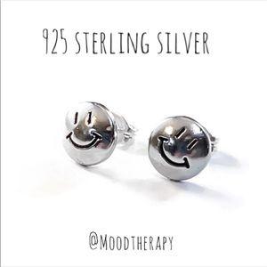 😊 happy face stud earrings